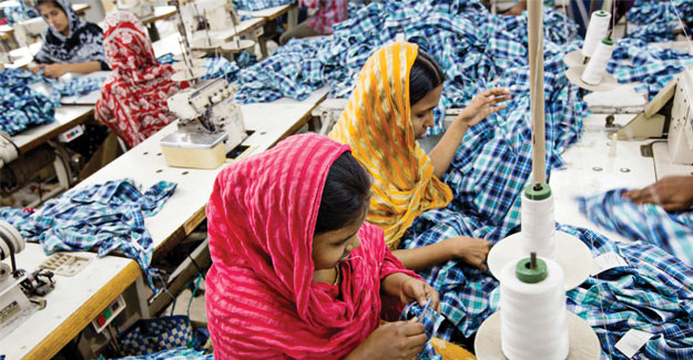 Bangladesh Textile Workers Protest New Minimum Wage